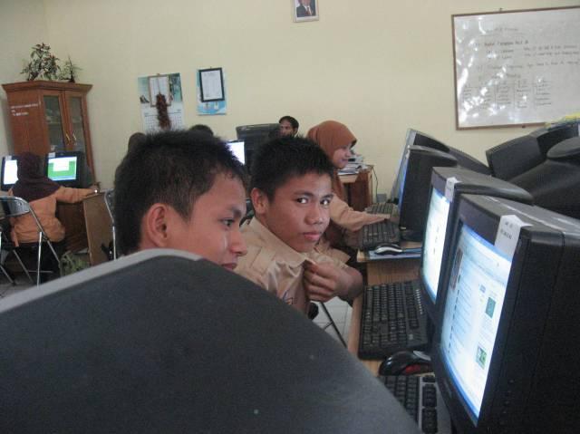 http://sma3unggulan.files.wordpress.com/2010/09/img_1527.jpg?w=640&h=480
